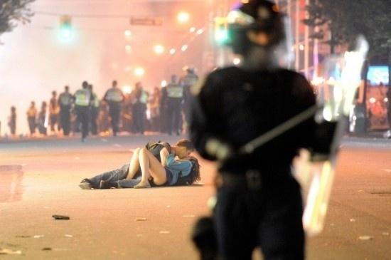 Most Powerful Photos Of 2011 – Fubiz™ #fubiz #photos #2011 #powerful