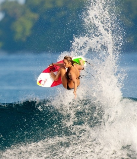 Nike 6.0 Women's #surfing #photography #awesome #girl