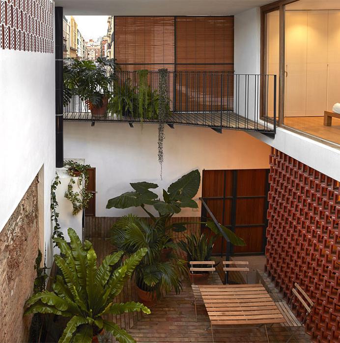 Small House Renovation in Valencia