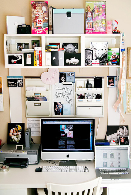 organized chaos workspace by shutterblog #office #home #workspace