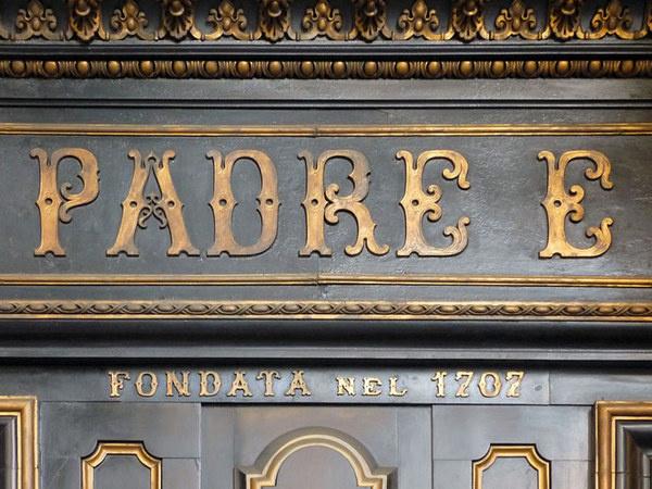 lettering via po #lettering #italy