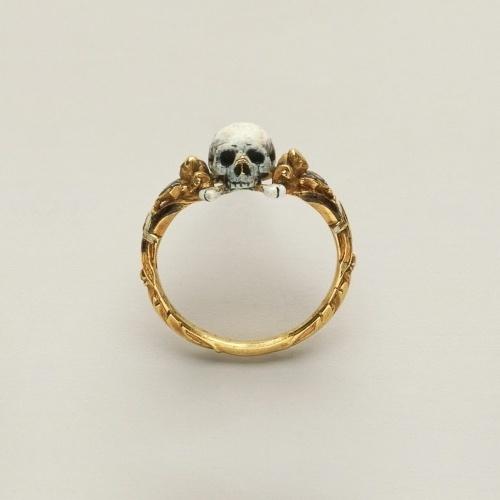 Category: Talents » Jonas Eriksson #skull #jewelry #ring #gold