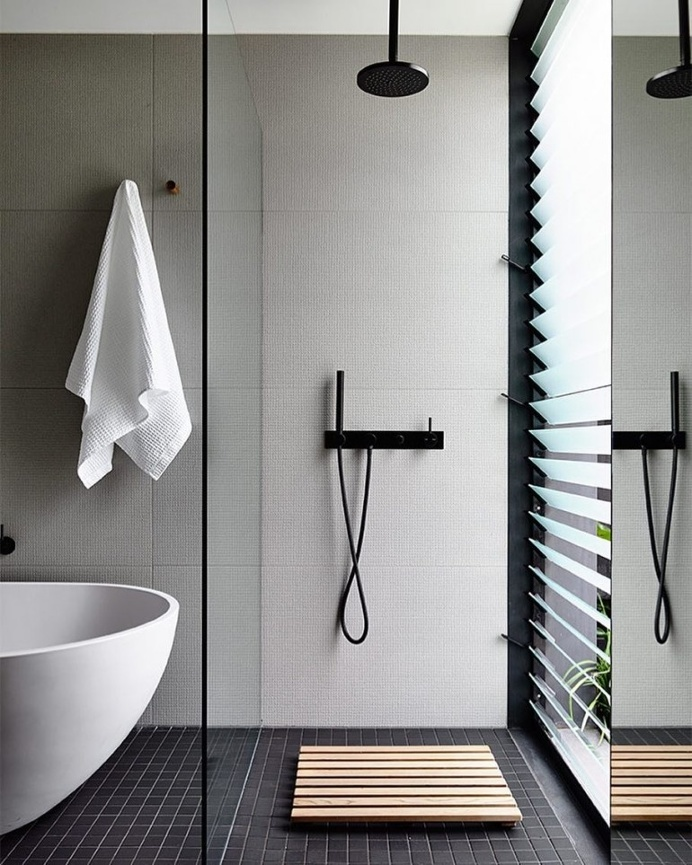 The light and airy bathroom