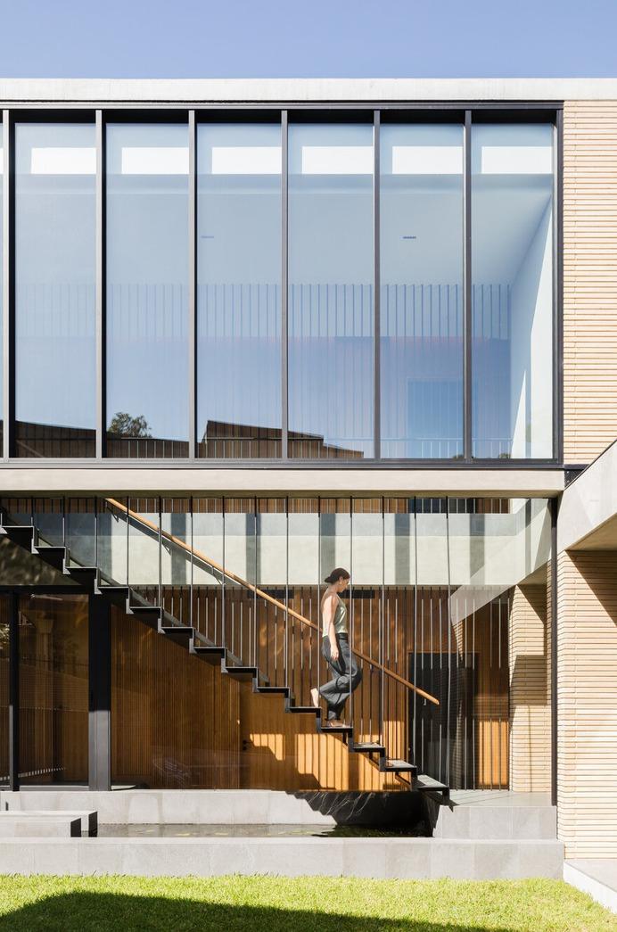 staircase / CHROFI