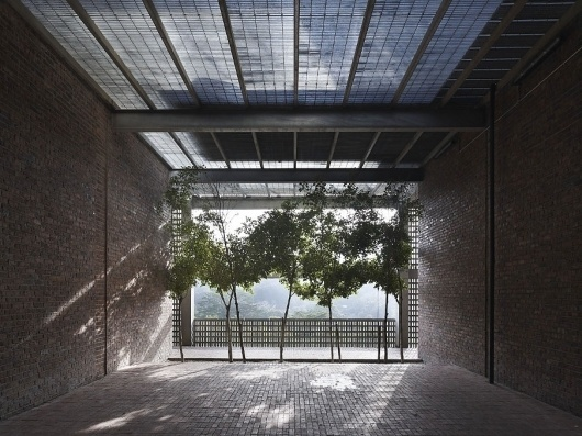 N I C K . R O C H O W S K I . P H O T O G R A P H Y #brick #courtyards #architecture #plants