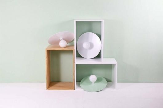 Flachmann | Stilsucht #interior #design #minimal #disc #light #pastel