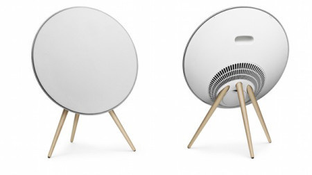 With the beautiful saucer minimalistic wireless sound system enjoy seamless music like never before. #design #home #product #system #industrial #sound
