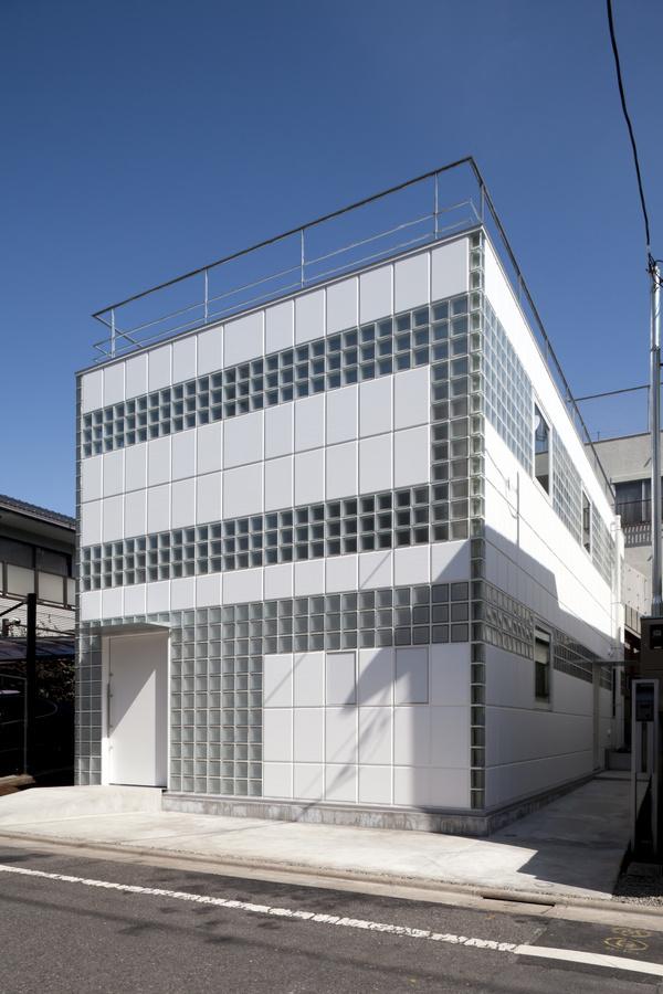 Crystal Brick â…¡ by Atelier Tekuto #house #japanese #home #architecture #minimal #minimalist