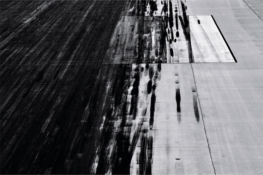 336_905.jpg (749×500) #motion #runway #streaks #flight
