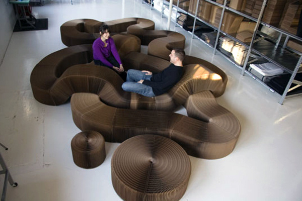 Softseating is furniture made out of paper that can be folded and expanded as you wish. #product #furniture #industrial #design