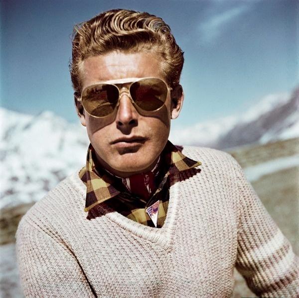 robert capa ski photographs exhibition.sw.7.robert capa show icp ss03 #sunglasses #switzerland #portrait #photography #vintage #film