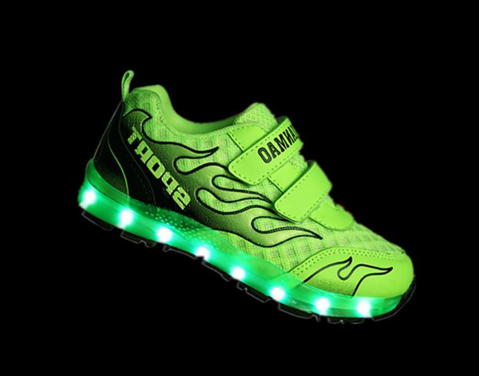 Children's fashion shoes luminous green