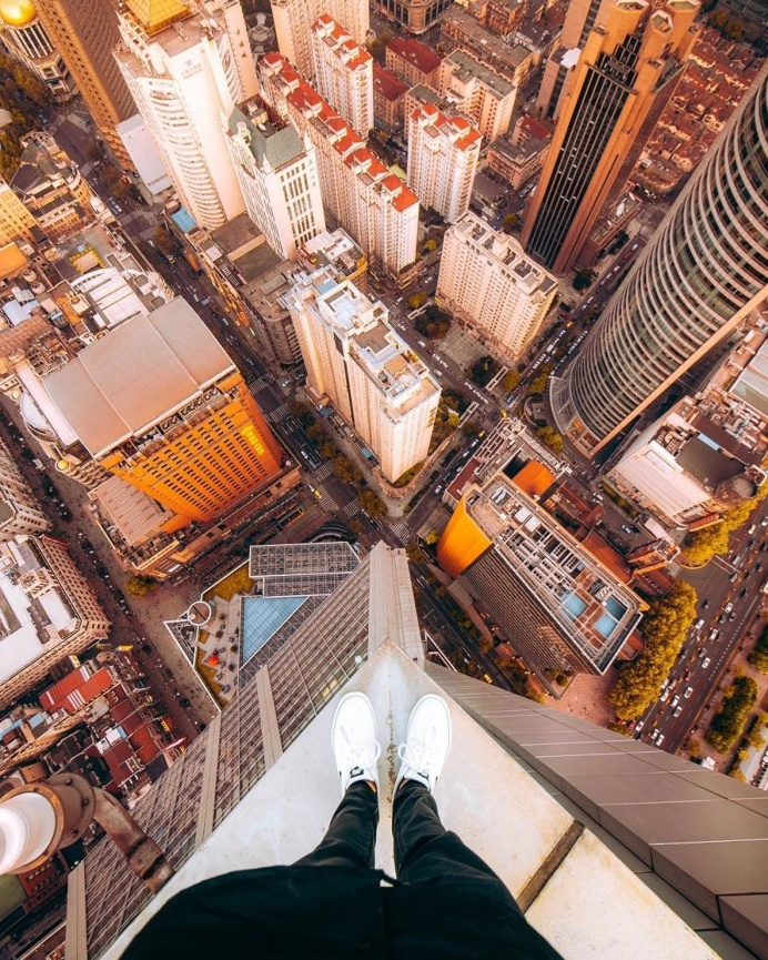 Breathtaking Rooftop Shots From Skyscrapers Of Shanghai by Anselm Wiethoff