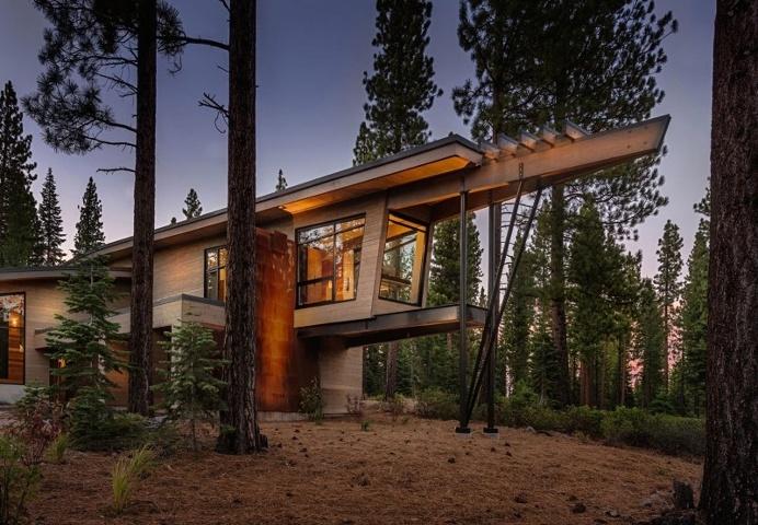 Flight House: modern interpretation of a mountain home