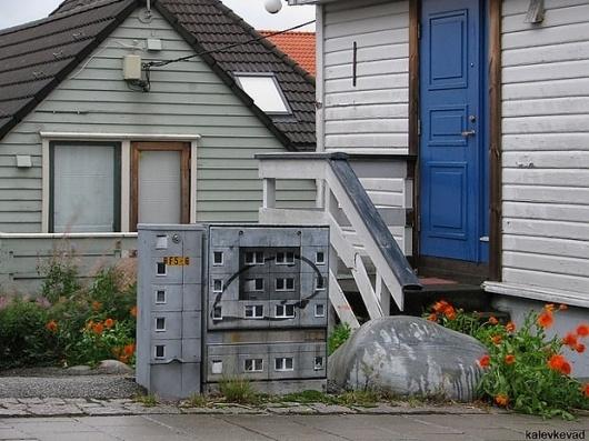 evol-01.jpg 620×465 pixels #stickers #house #art #street