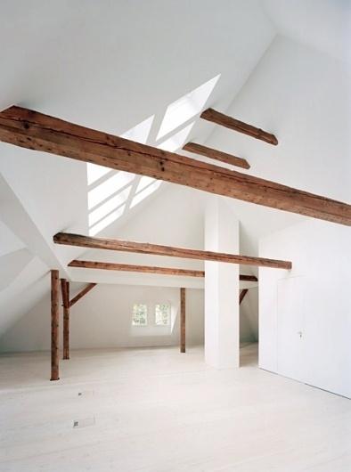 1_tumblrlfg4ccd8ki1qau50i.jpg (471×632) #interior #wood #loft