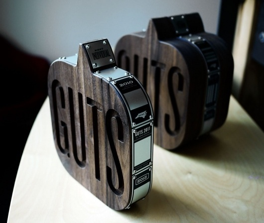 Graphic-ExchanGE - a selection of graphic projects #guts #woodgrain #design #typography