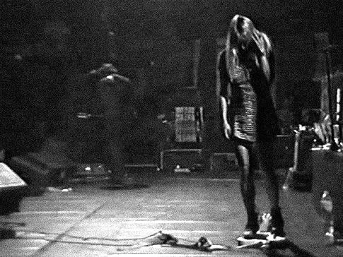 File:Sonic1991b.jpg - Wikipedia, the free encyclopedia #live #bass #youth #sonic #gordon #kim #wave #postmodern #noise #no