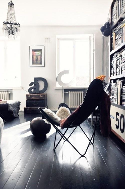 """Image Spark Image tagged """"salon"""" Nonochuck #interior #white #black #chairs"""