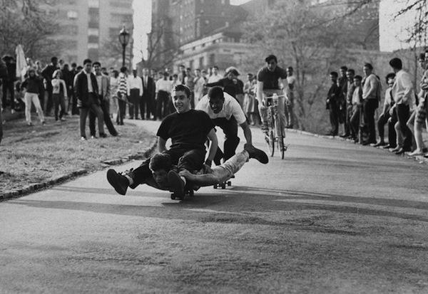 billeppridgeskateboardinginnyc_10.jpeg #b&w #oldschool #skateboard #1960s #york #nyc #new