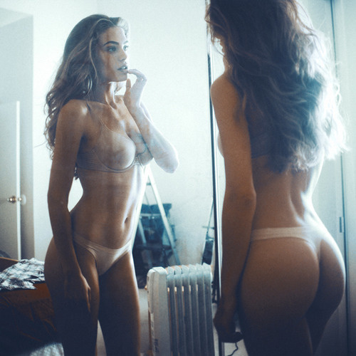 http://off-the-wall-b.tumblr.com/ #woman #lady