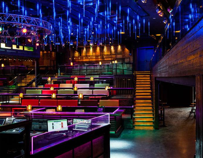 Cool Industrial Rustic Decor of Forum Club - #bar, bar, #restaurant, restaurant,