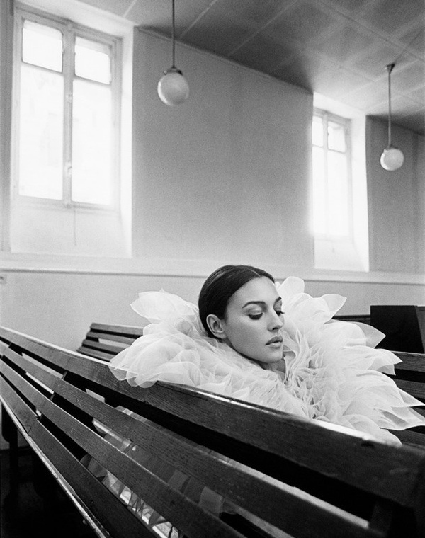everyday_i_show: photos by Kate Barry #interior #collar #white #frill #bench #photography #lady #beauty