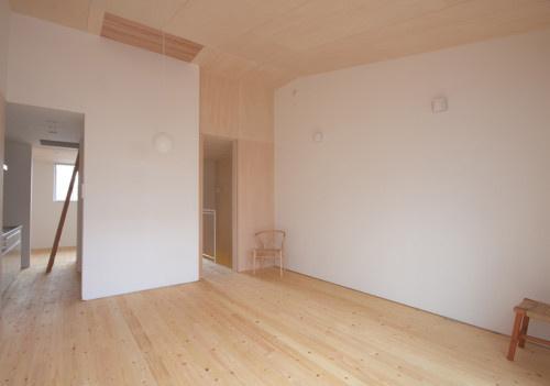 House 01 in Gifu by Tadashi Nishimura Architects #interior #house #japanese #home #minimal #minimalist