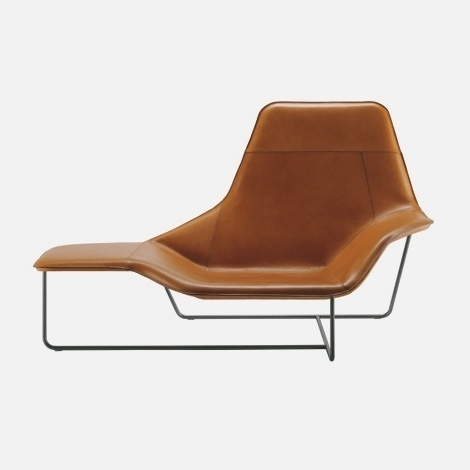 Lama 921 chaise longue | iainclaridge.net #furniture #chairs