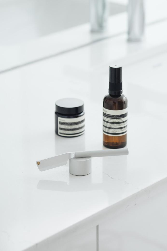Angle Razor Review — Shaving never looked so good. minimalgoods