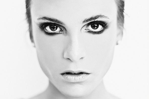 photo #ink #white #girl #pretty #black #and