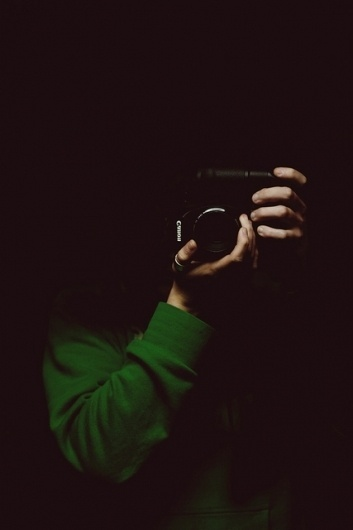 Sin título | Flickr: Intercambio de fotos #fosc #canon #retrat #portrait #oscuro #verd #hands #mans #dark #green