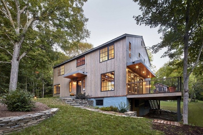 1830 Farmhouse Transformed into a Rustic Modern Retreat in Hyde Park, New York