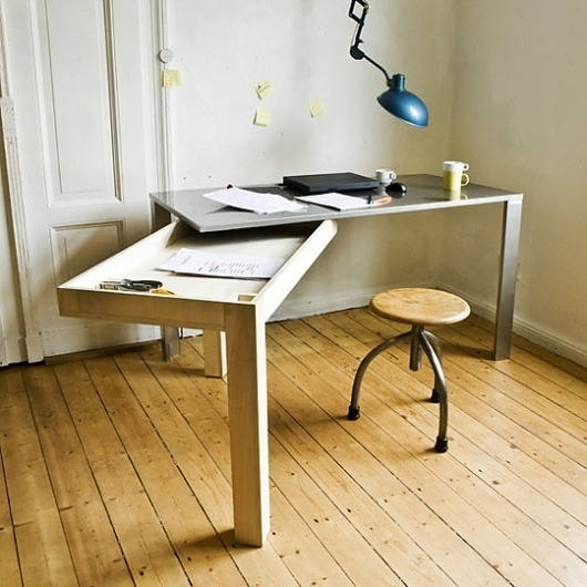 Final Frame: What's So Special About This Desk? | Apartment Therapy Unplggd #desk