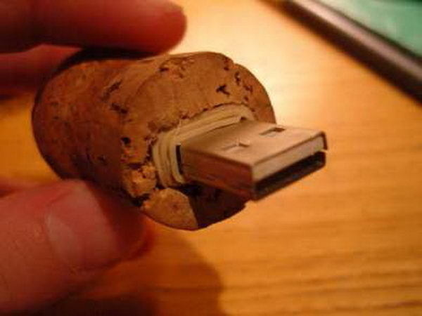 Homemade Wine Cork Crafts #cork #diy #wine