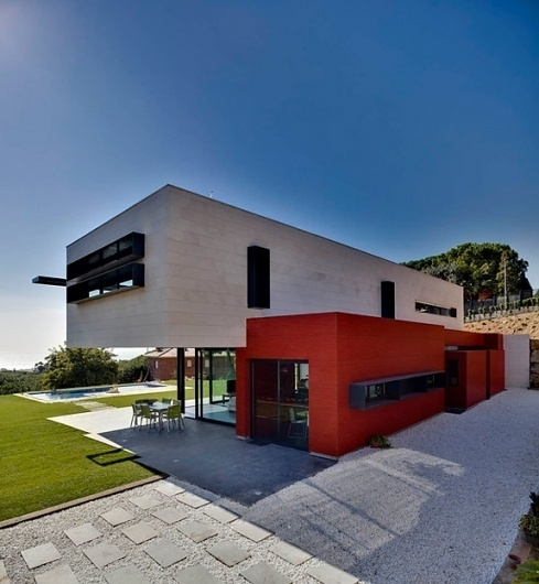 Onestep Creative - The Blog of Josh McDonald » Family Dwelling in Barcelona #barcelona #architecture #contemporary #modern