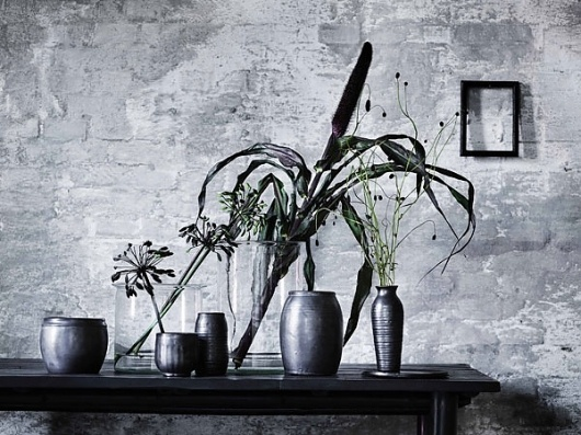 Graphic-ExchanGE - a selection of graphic projects #white #vase #black #wall #flower #table