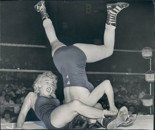 Castle Grayskull, I think thats Mae Young. #girl #photo #catch #vintage #fight