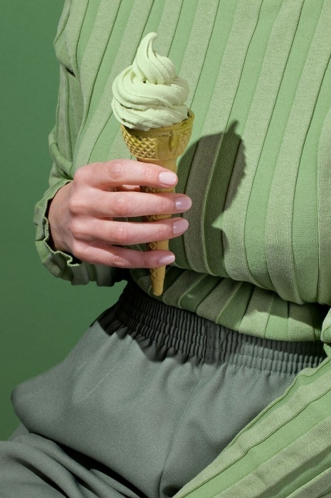 Strangely satisfying photos of food coordinated with monochromatic clothing | Dangerous Minds