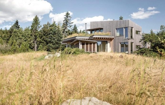 Downeast Coastal House in Maine by Winkelman Architecture 12