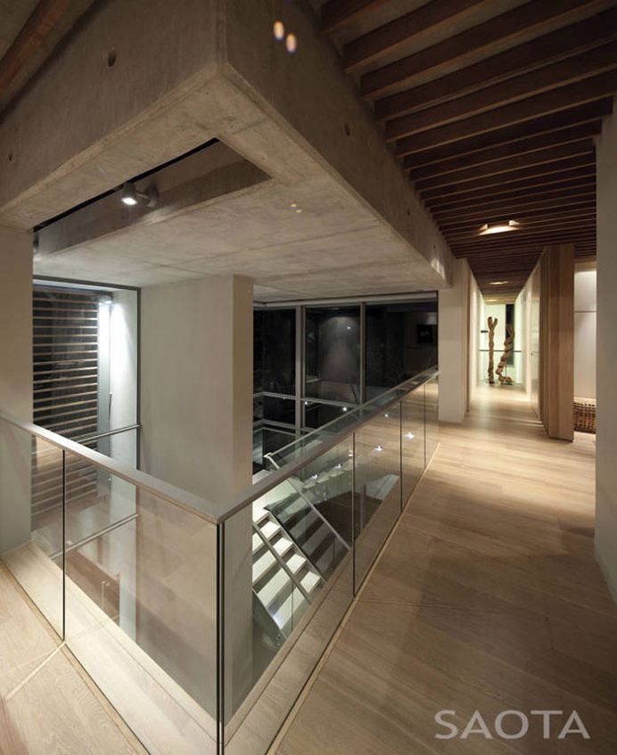 Cozy Seaside Retreat by Antoni Associates - #decor, #interior, #homedecor, #stairs