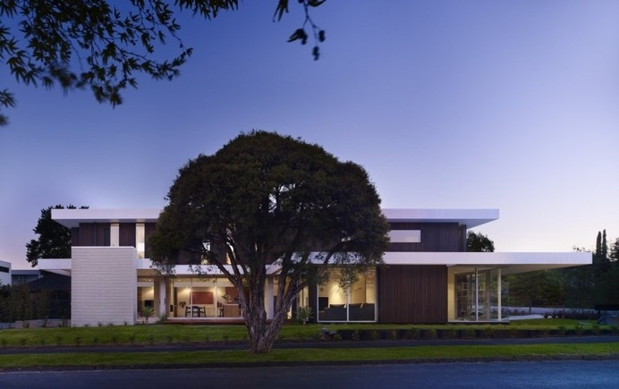 Design Approach with Focus on Texture Variety: California House #architecture