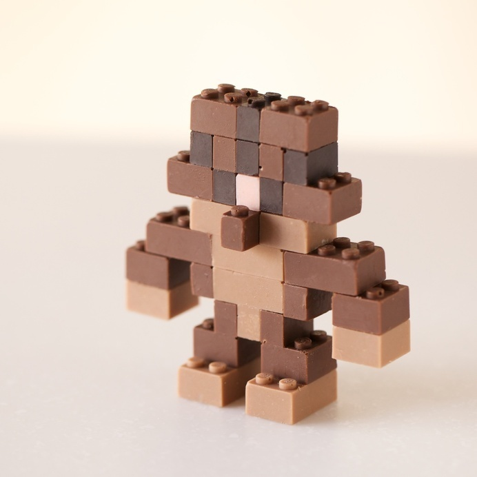 Edible Chocolate LEGOs by Akihiro Mizuuchi Lego food chocolate #lego #chocolate #figure #bricks #character