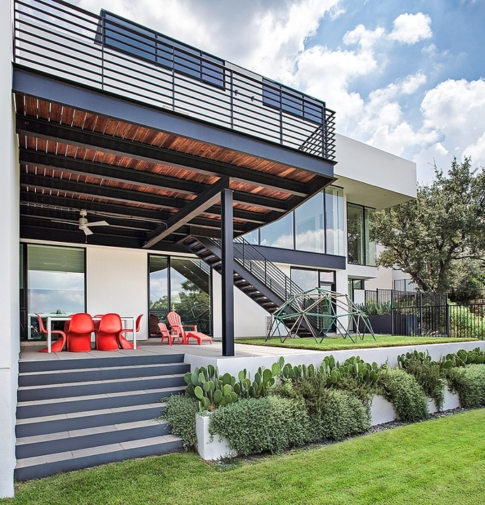 Valburn Residence by Alterstudio Architecture