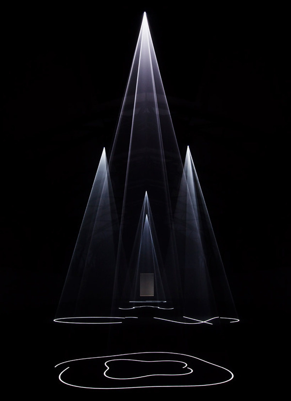 Anthony McCall #gallery #sculpture #projection #installation #shapes #germany #art #light