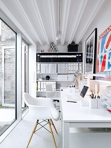 3f7e27ca65bdba55e6e5327abffd61fbff6f60d7_m.jpg (360×480) #white #workspace