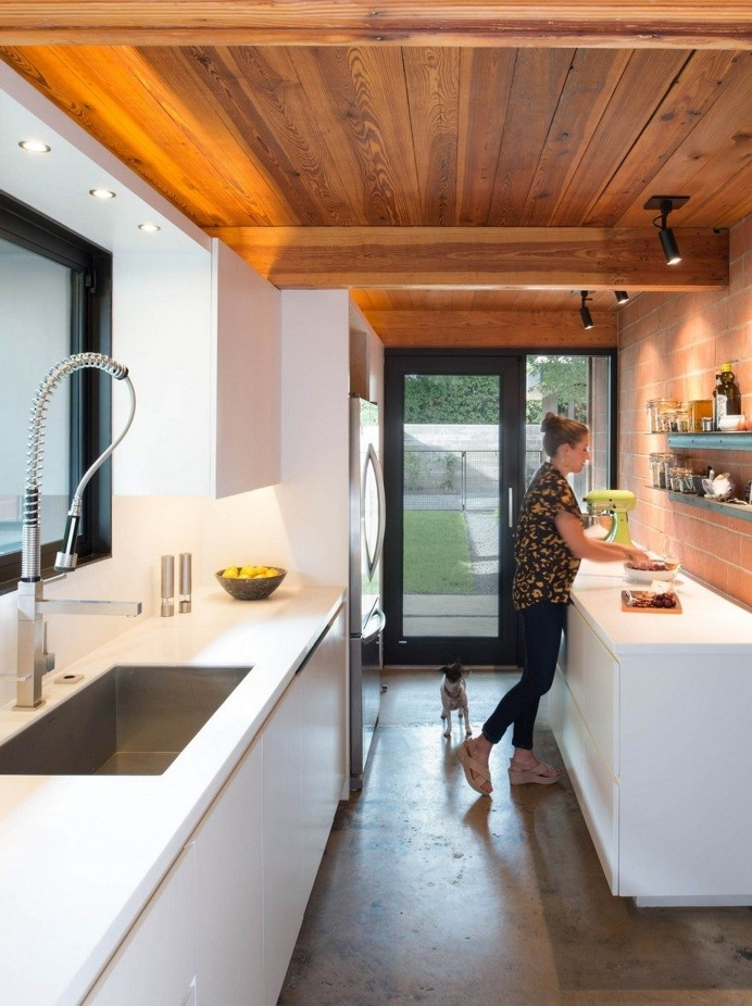 1954 One-Story House Renovated by Tobin Smith Architect in San Antonio, Texas 6