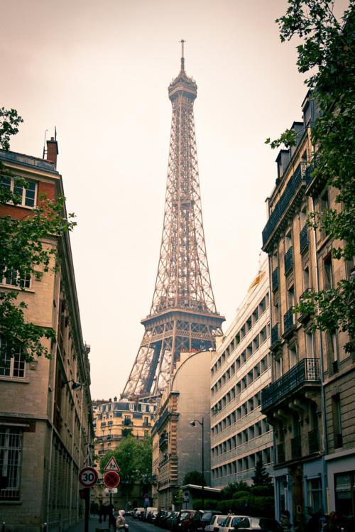 Standing Elements #eiffel #paris #photography #tower