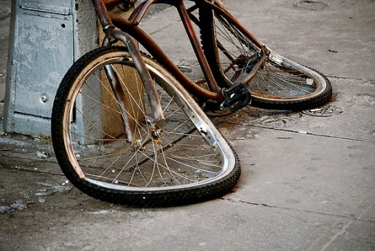 Screen-shot-2010-11-27-at-8.18.59-PM-600x401.png (600×401) #old #destruction #bike