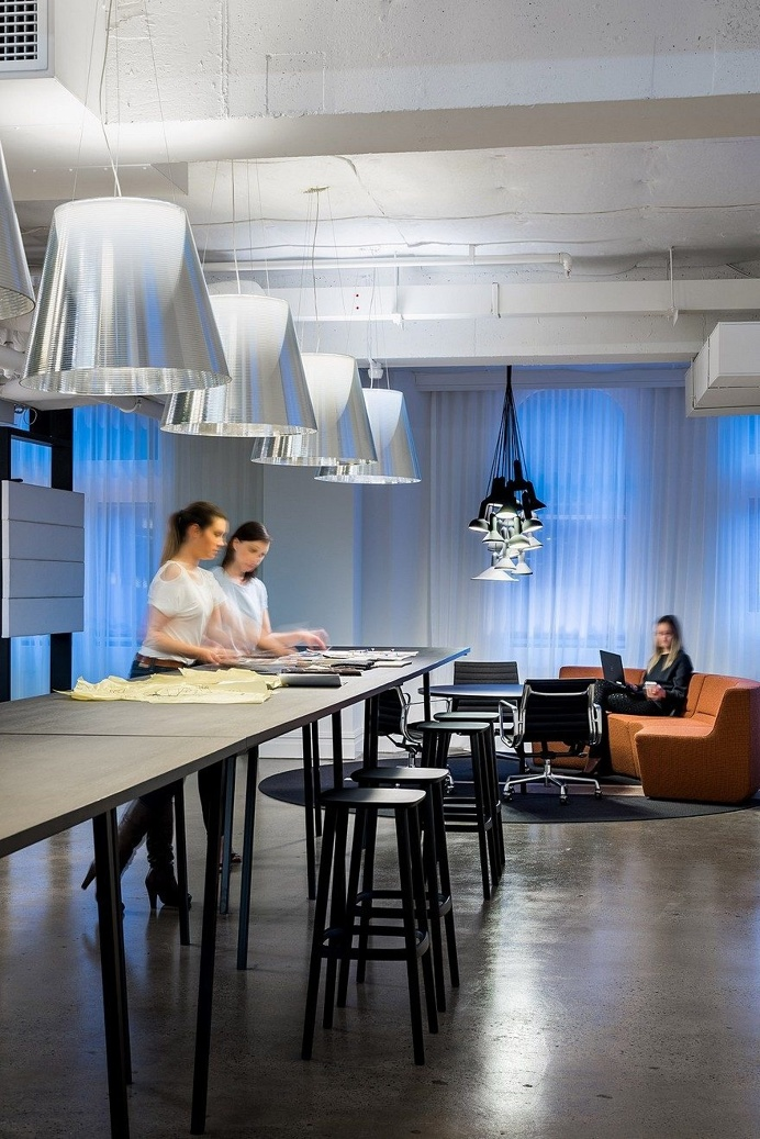 Contemporary Workplace with a Distinctive Hotel-Like Aesthetic 17